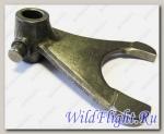 Вилка механизма переключения передач, правая, сталь LU015264