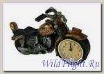 Часы в форме мотоцикла Часы в форме мотоцикла (циферблат в переднем колесе)