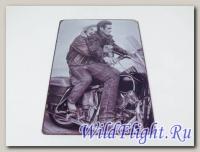 Знак винтажный Дуэт на мотоцикле (20*30)